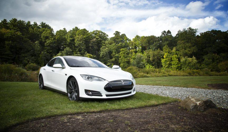 Das Tesla Auto im All auf meine-beitraege.de